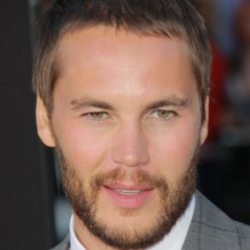 Author Taylor Kitsch