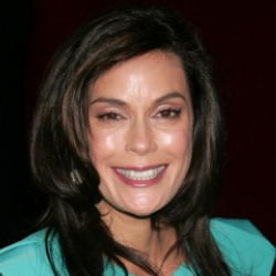 Author Teri Hatcher