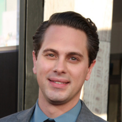 Author Thomas Sadoski