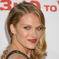Author Vinessa Shaw