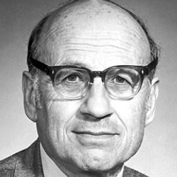 Author Walter Kohn