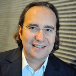 Author Xavier Niel
